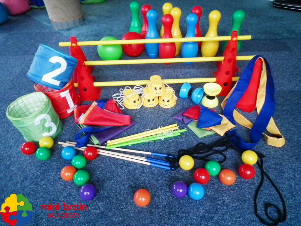 sprzęt sportowy-sprzęt animacyjny-mini szczudła-pachołki-wielkie bańki mydlane